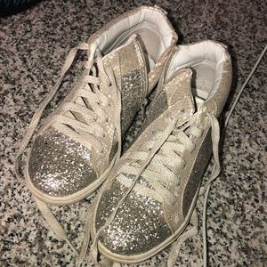 Justice silver glitter girls shoes size 2